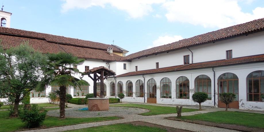 Giardino interno al chiostro del Convento
