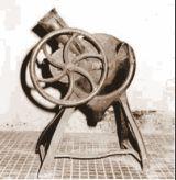 Esempio di sgranatrice antica