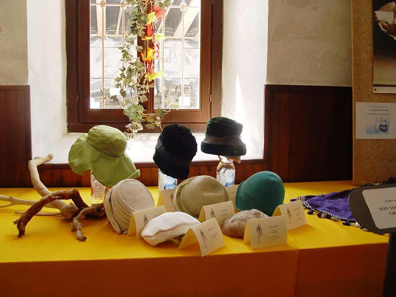 Mostra di cappelli d'epoca e radio - 01